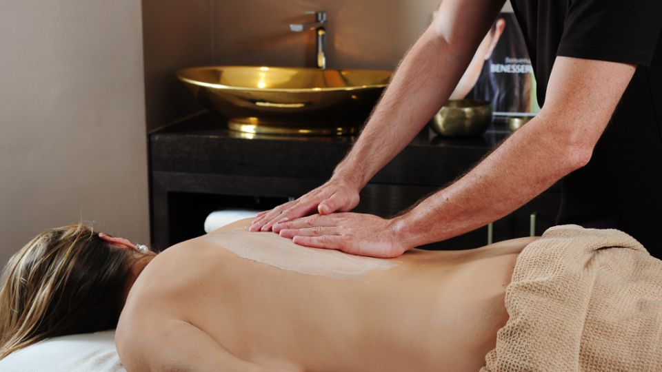 Body peeling massage from Guinot with application time