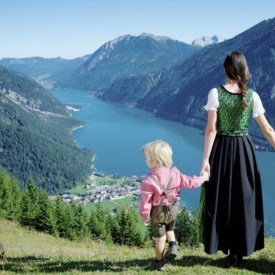 Offer: Happy Family Spa Days - Das Karwendel - Ihr Wellness Zuhause am Achensee