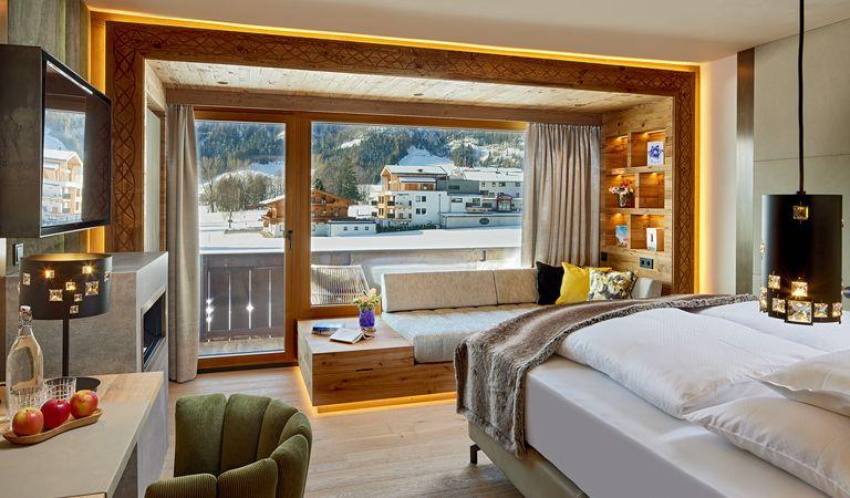 Hotel Room: Alpinjuwel room