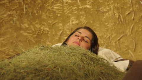 South Tyrolean hay pack to stimulate the metabolism