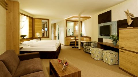 Alpine Suite (2-7 Guests)
