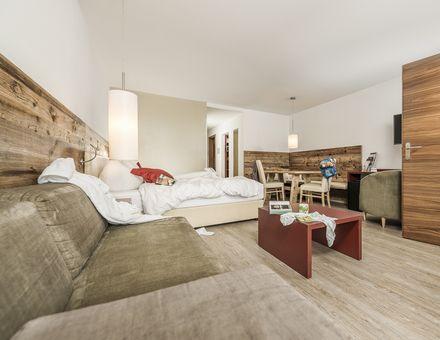 Hotel Room: Family Suite Wood 45m² - Mia Alpina