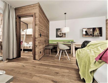 "Hotel Zimmer: ""50er"" FamilySuite - Mia Alpina"