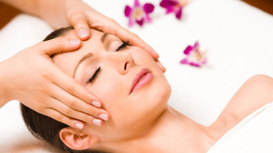 Huile de massage Aroma + massage du visage