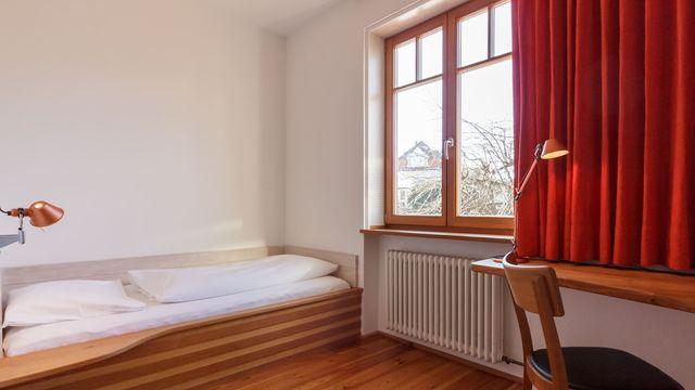 Einzelzimmer (klein, im Treppenhaus)
