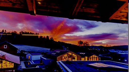 Lassen Sie Ihren Tag mit einem unvergesslichen Sonnenuntergang ausklingen.