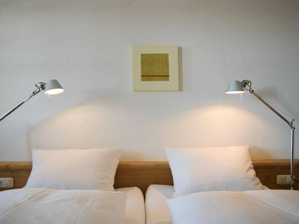 Komfort familienzimmer mit extra kinderzimmer und 4 g nge for Hotelsuche familienzimmer