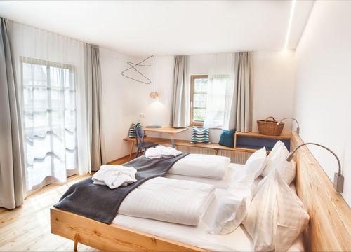 Biohotel Gralhof DZ mit Seeblick Blockhaus (1/2) - Biohotel Gralhof