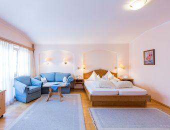 Wohn-Schlafzimmer - Biohotel Schweitzer