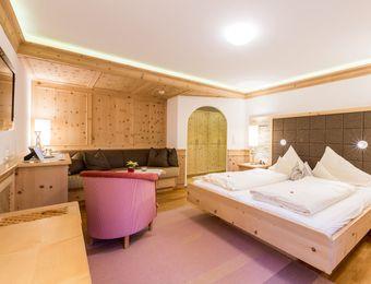 Swiss stone pine organic room with balcony - Biohotel Schweitzer