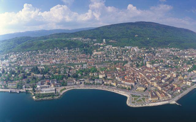 Neuchâtel - vom See gesehen