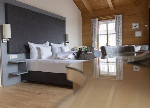 """Organic Chalet - Double Room """"Edelkastanie"""" (1/1) - moor&mehr Bio-Kurhotel"""