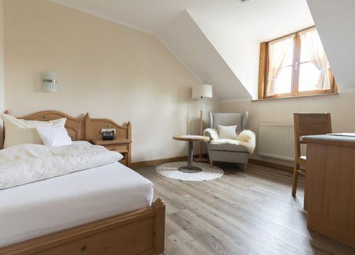 "Comfort Single Room ""Holunder"" without Balcony (1/2) - moor&mehr Bio-Kurhotel"