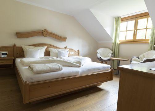 "Luxury double room ""Holunder"" without a balcony (1/1) - moor&mehr Bio-Kurhotel"