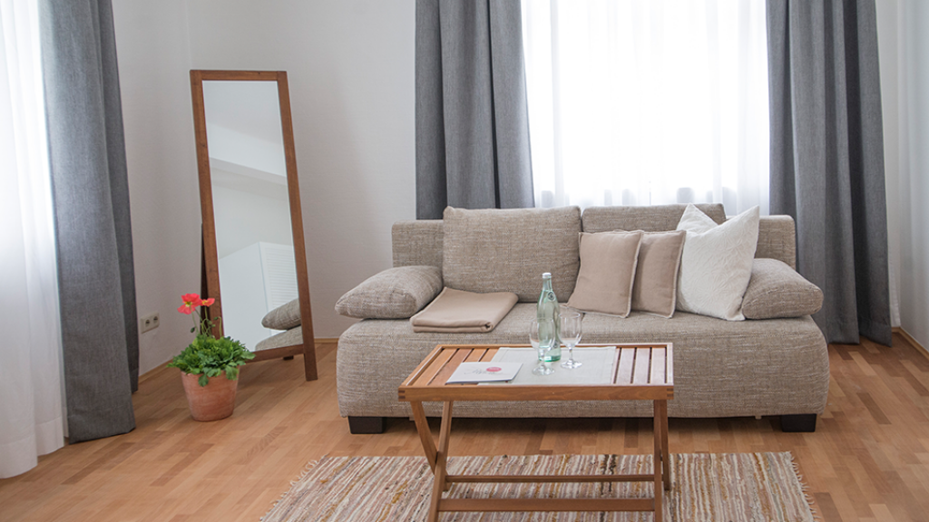 appartement im gartenhaus doppelzimmer. Black Bedroom Furniture Sets. Home Design Ideas