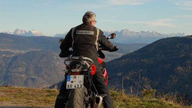 Motorrad testen und warm fahren....