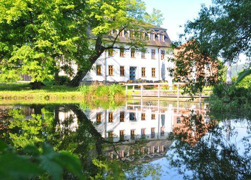 Biohotel Stiftsgut Wilhelmsglücksbrunn, Creuzburg, Turingia, Germania (1/19)