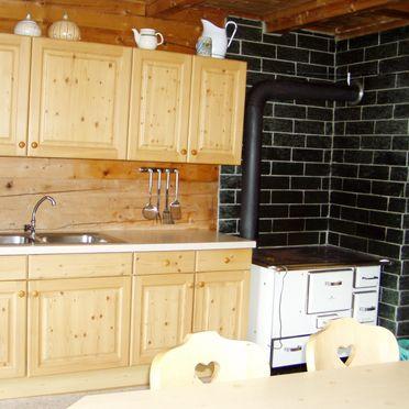 Küche, Moaralmhütte in Dölsach, Osttirol, Tirol, Österreich