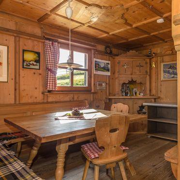Esszimmer, Costaces Hütte, Am Würzjoch, Südtirol, Trentino-Südtirol, Italien
