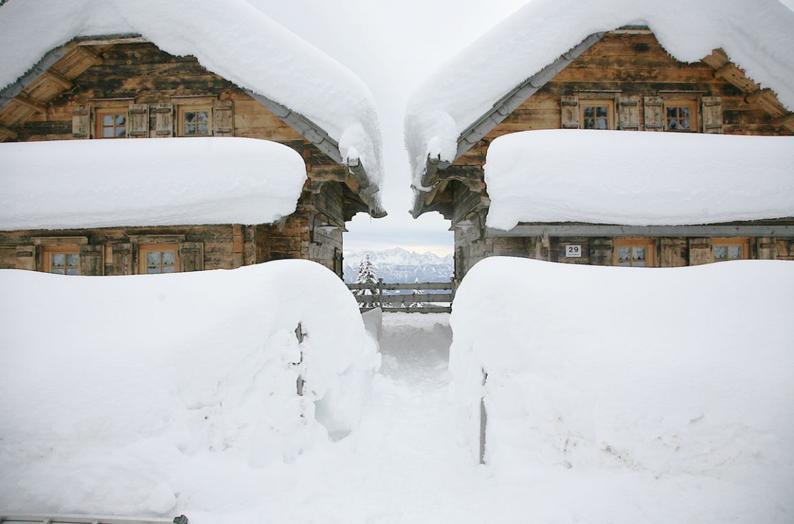 Alpine-Lodges Matthias, Rueckansicht2