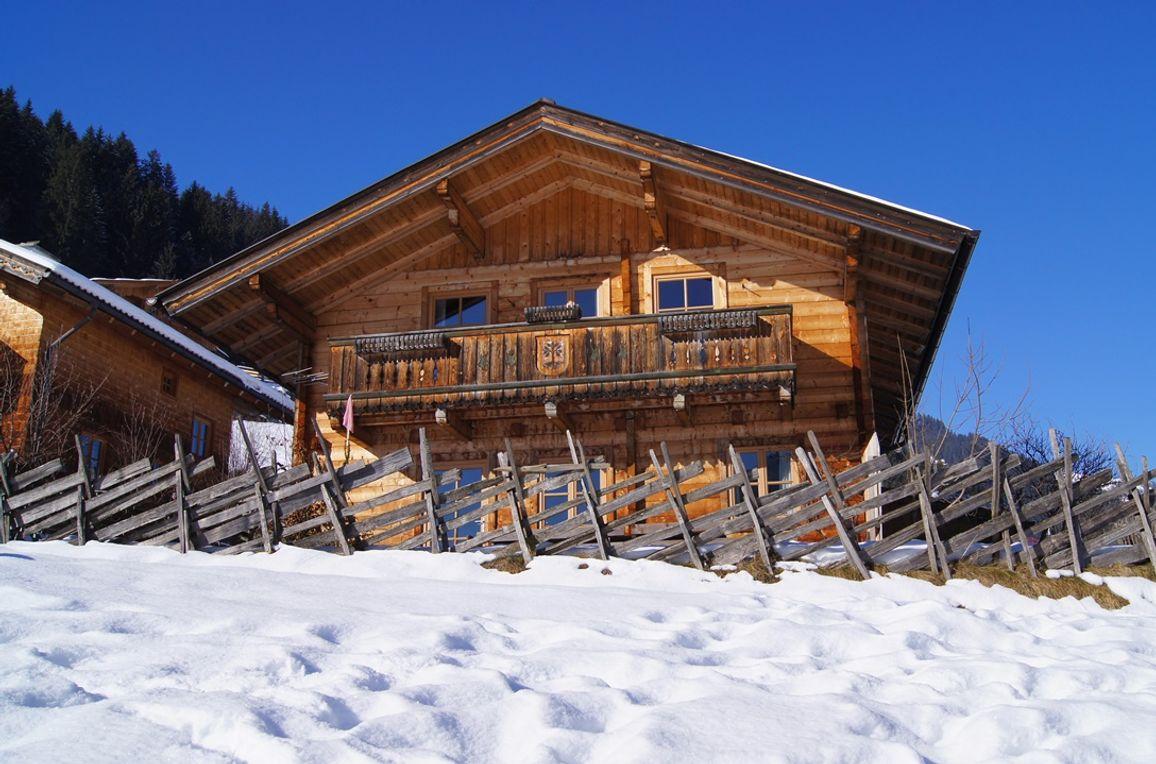 Gruberhütte, Aussenansicht Winter