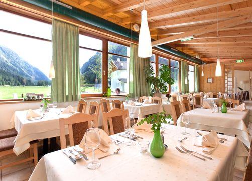 Biohotel Stillebach: Speisesaal - Biohotel Stillebach, St. Leonhard im Pitztal, Tirol, Österreich