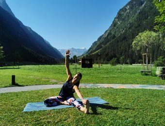 Top Angebot: Yoga im Einklang mit der Jahreszeit - Biohotel Stillebach