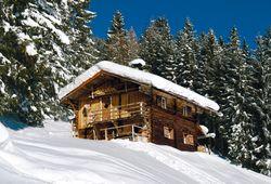 Hütten mitten im Skigebiet