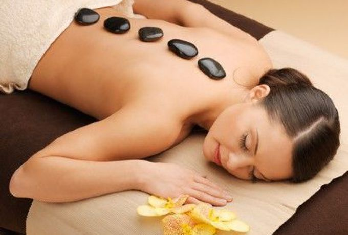 Hot Stone-Rückenmassage