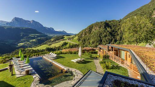 Biohotel Pennhof Urlaub Auszeit Südtirol Außengereicht pool