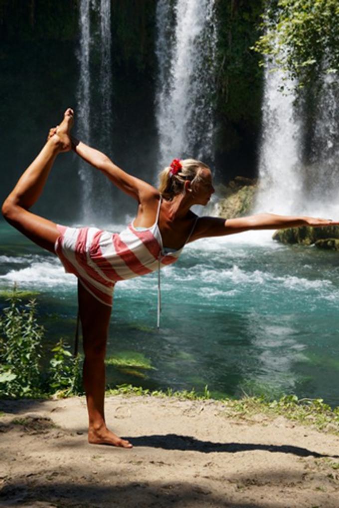 Yoga mit Mag. Daniela Schimpl