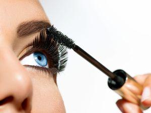 Augenbrauen färben und faconnieren