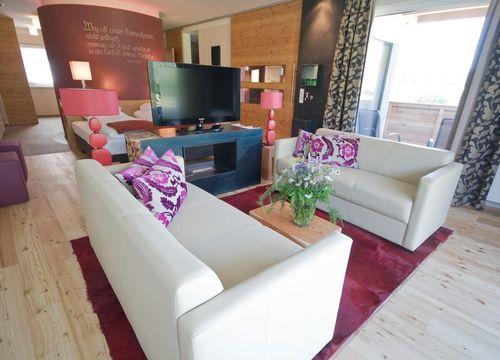 Biohotel Holzleiten Hotel Suite mit Wanne (1/4) - Bio-Wellnesshotel Holzleiten