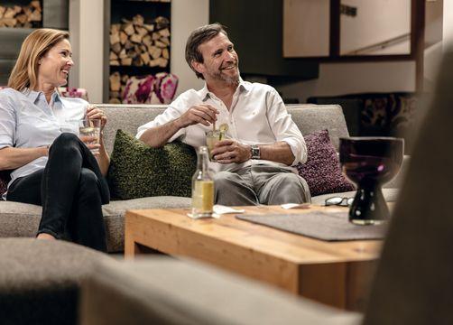 Biohotel Holzleiten Hotel Tirol Mann und Frau Drink - Bio-Wellnesshotel Holzleiten