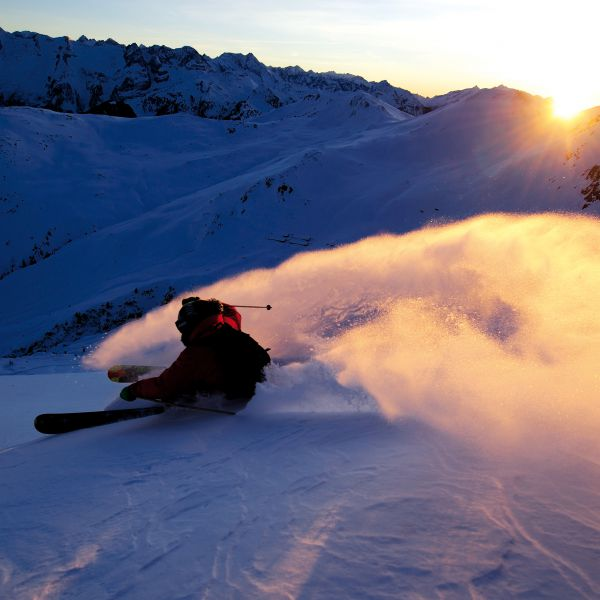 Sun Skiing DELUXE | 20.01.-03.02. & 17.-24.03.18 for 7 nights | incl. skipass