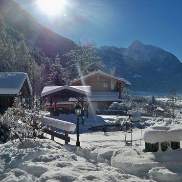 Winter, Bergchalet Klausner Enzian, Ramsau im Zillertal, Tirol, Tirol, Österreich
