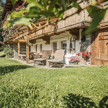Terrasse und Garten, Bergchalet Klausner Enzian, Ramsau im Zillertal, Tirol, Tirol, Österreich