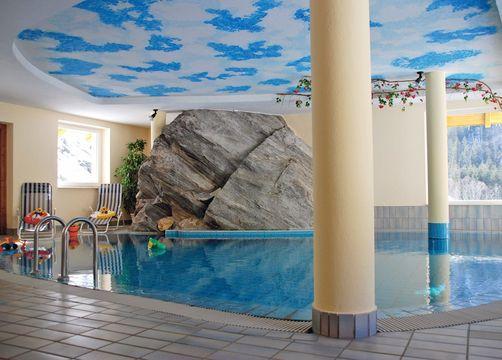 Biohotel Pirkers: Hallenbad im Hotel - Pirker's Natur & Bio- Familienhotel, Malta, Kärnten, Österreich