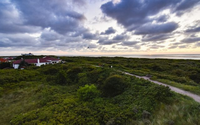 Biohotel Strandeck: Blick über die Dünen