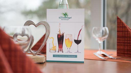 Zum Abendessen sind ausgewählte Getränke (Softgetränke, Biere, Weine) inklusive.