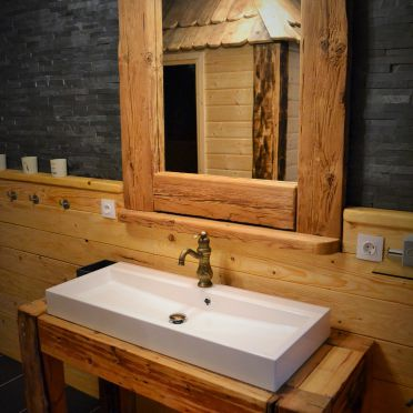 Almchalet Schneeberg, Bathroom
