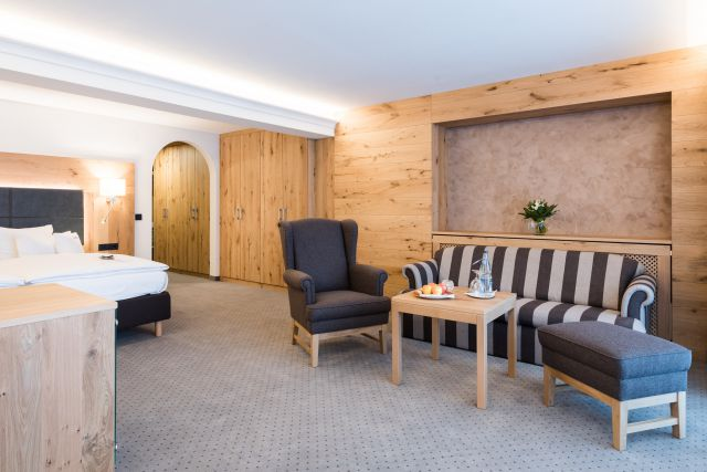 Holunder junior suite with large southern balcony