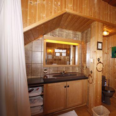 Villa Dachstein, Bathroom