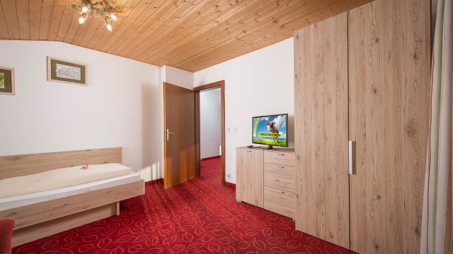 Familien Apartment Storchennest in der Alpenvilla Hotel Central