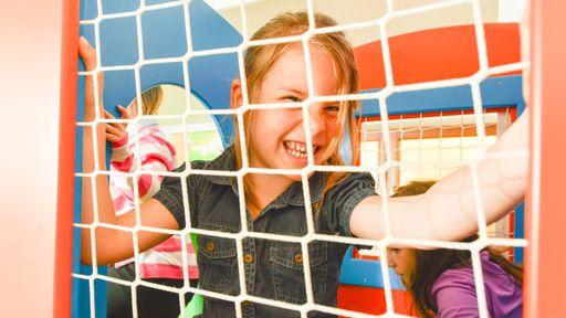 Spielaction für Kinder im Spielbereich von Central & St. Johanner Hof