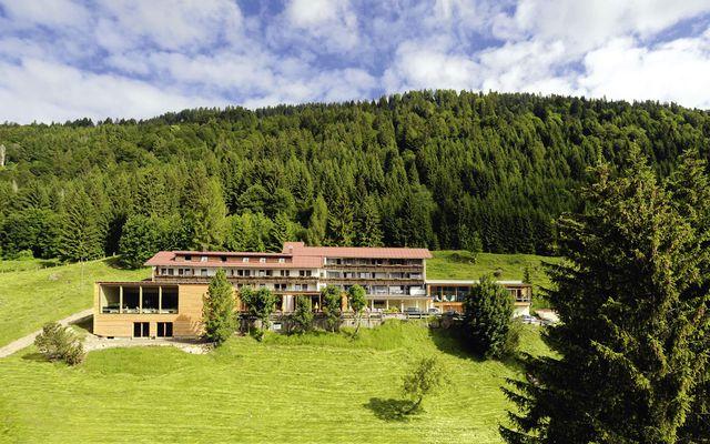 Biohotel Ifenblick: Panorama-Lage im Allgäu