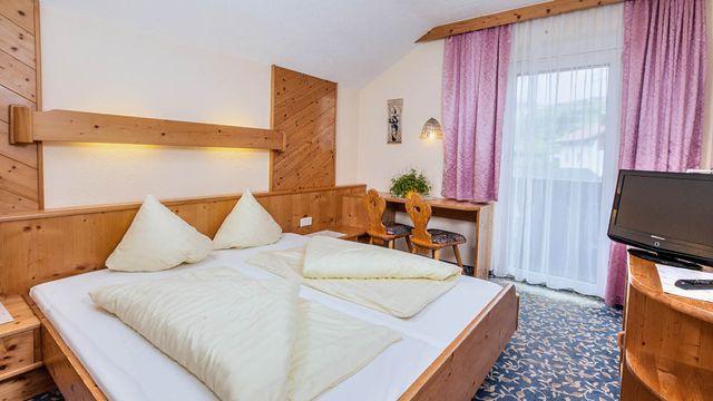 Zimmer für Single mit 1 Kind im Hotel Sailer | 15 qm