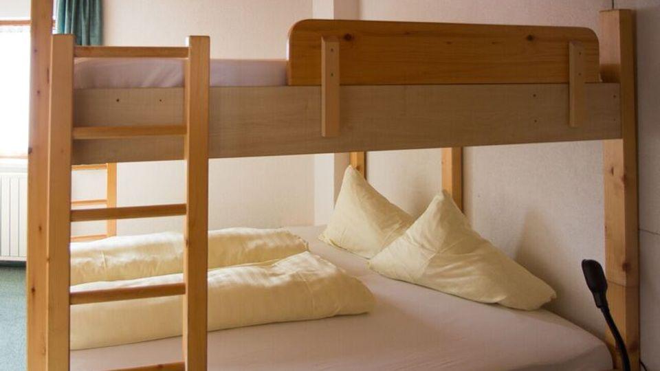 Ferienwohnung für 4-10 Personen (ohne Verpflegung) im Nebenhaus vom Hotel Stefan (150 Meter entfernt)