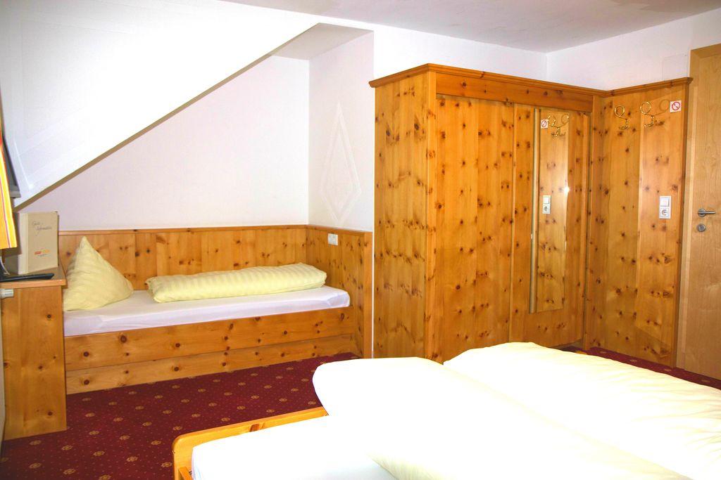 familienzimmer garfield 1 raum im hotel stefan 20 m