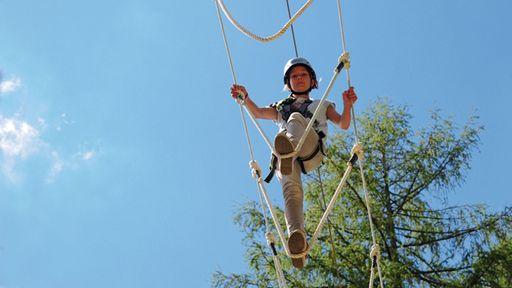 Waldseilpark XP Abenteuerpark mit Parcours in verschiedenen Schwierigkeitsstufen.